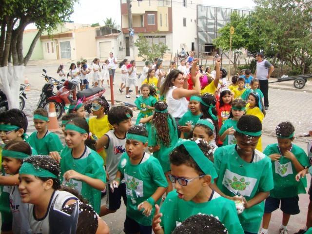 Alegria e Muita Diversão no Carnaval do Colégio O Saber