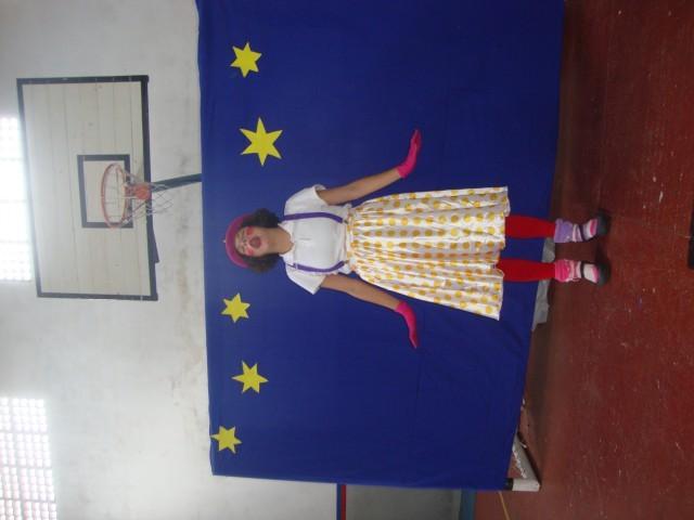 Dia do Circo no Saber iniciou cedo e com o Grupo Raízes.