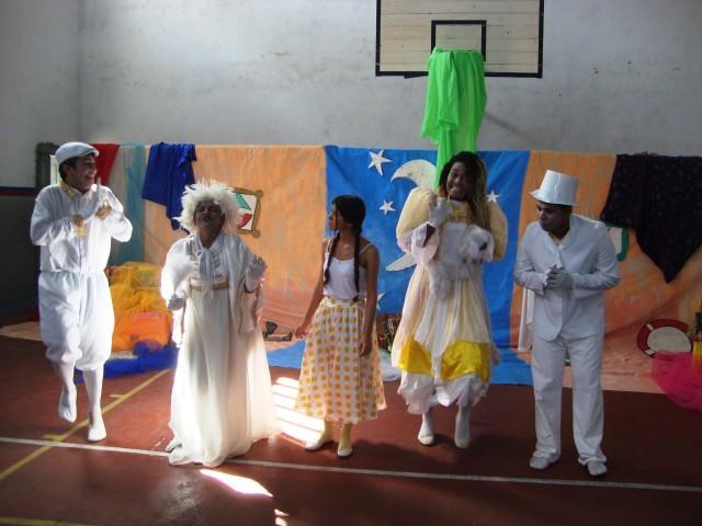 O Grupo de Teatro Raízes Apresenta: Pluft, O Fantasminha