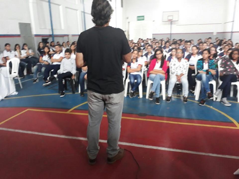 Conhecendo Itabaina com o escritor Robério Santos.