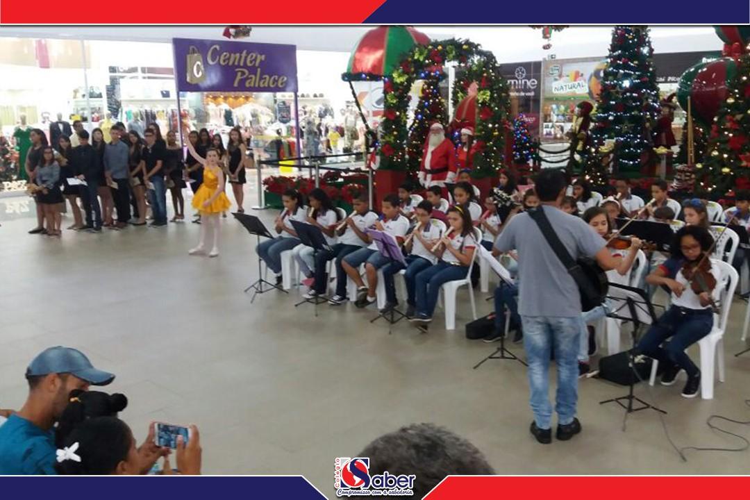 O Colégio O Saber participando da programação de Natal do Shopping Peixoto