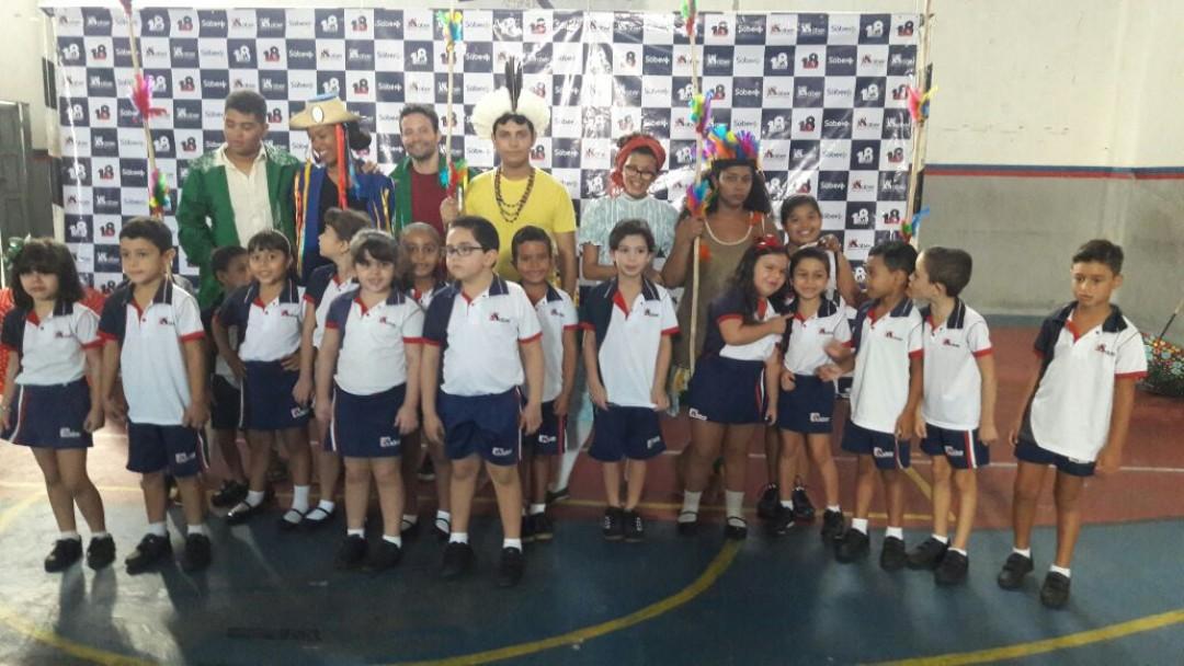 Grupo Raízes -Teatro na escola