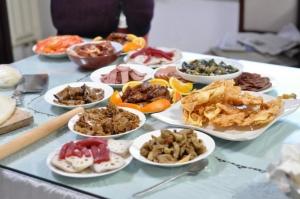 Para quem quer emagrecer, fazer duas grandes refeições é melhor do que seis pequenas: estudo
